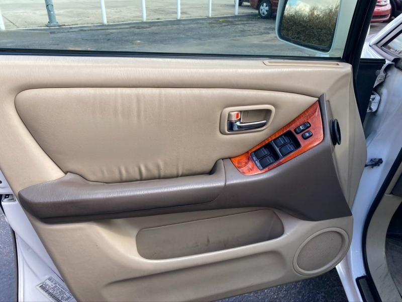 Lexus RX 300 2001 price $4,500 Cash