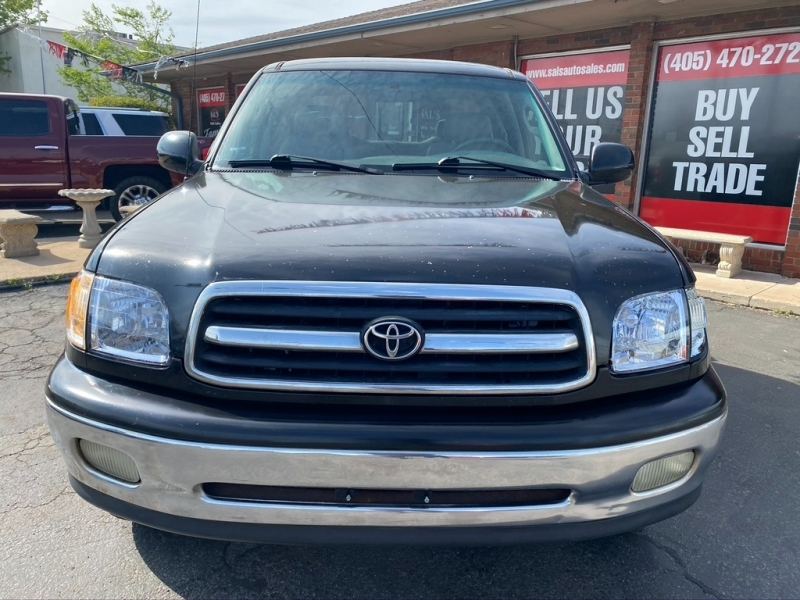 Toyota Tundra 2002 price $9,750 Cash