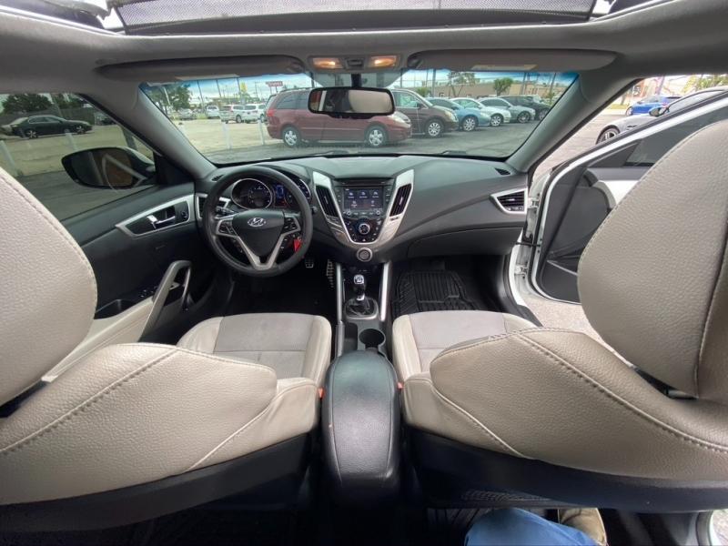 Hyundai Veloster 2013 price $9,995 Cash
