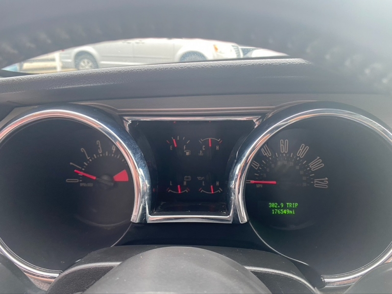 Ford Mustang 2006 price $6,995 Cash
