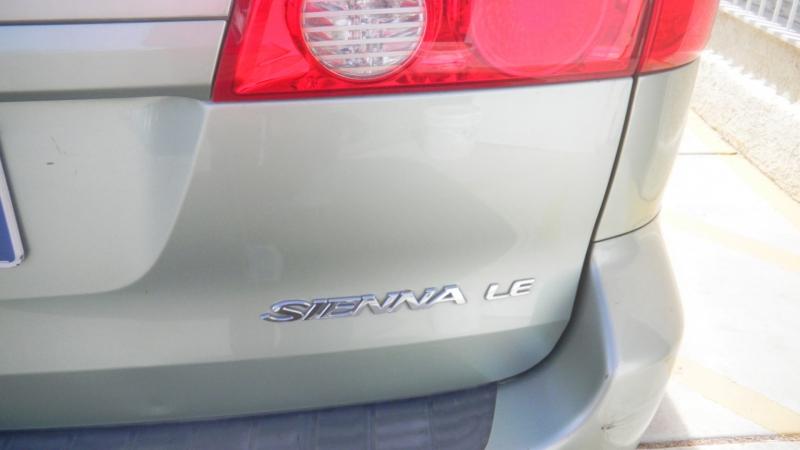 Toyota Sienna 2009 price $992 Down