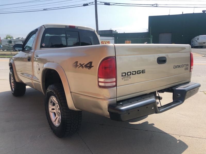 DODGE DAKOTA 2003 price $3,900