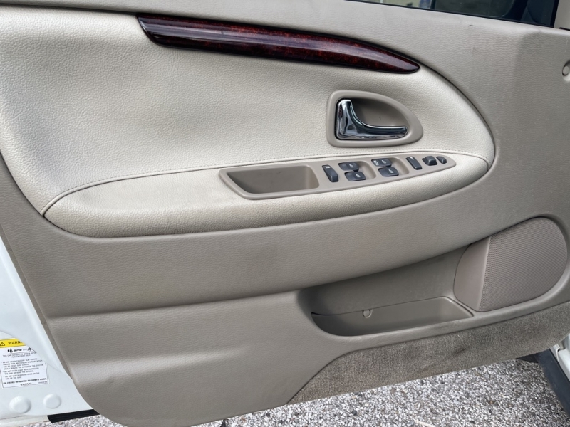 VOLVO S40 2004 price $3,900