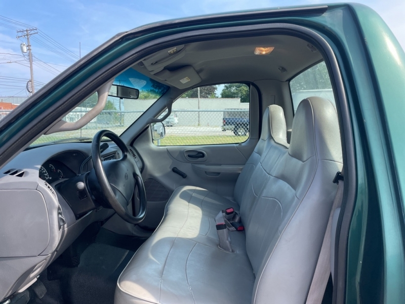 FORD F150 2000 price $6,900