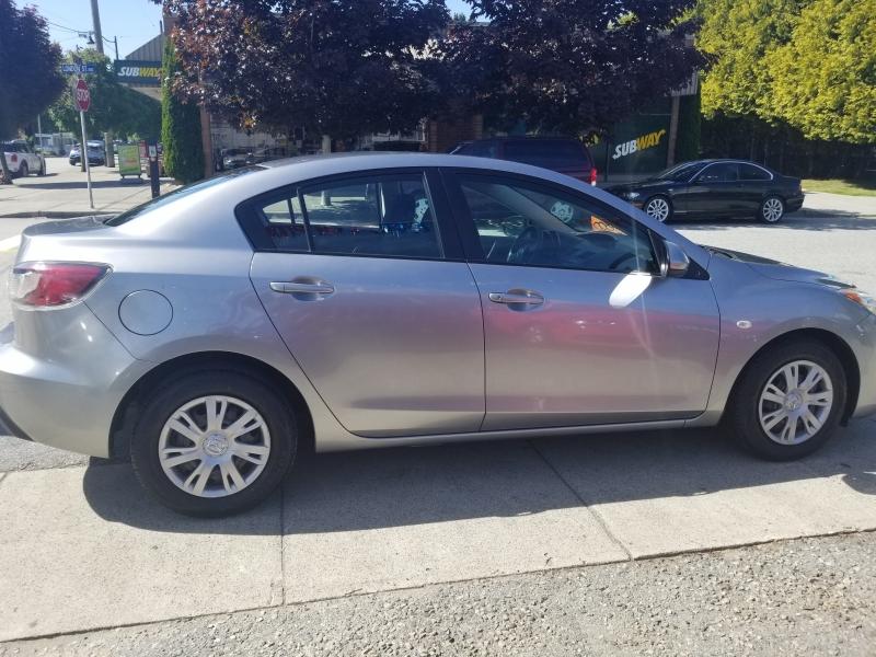 Mazda 3 2010 price $5,800