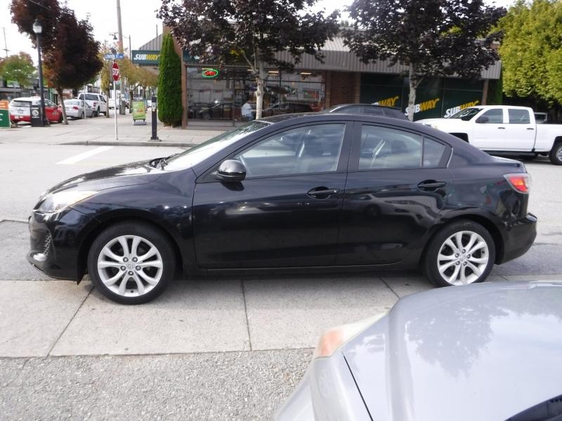 Mazda 3 2013 price $8,800