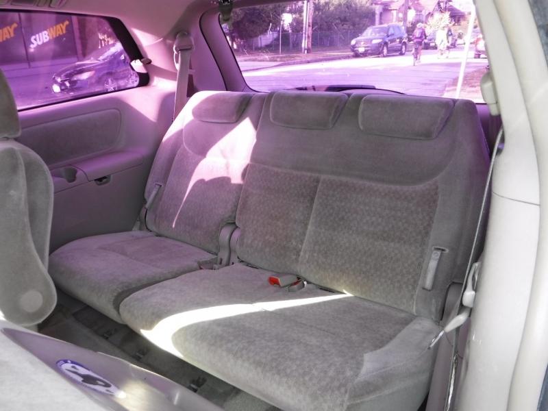 Toyota Sienna 2005 price $5,800