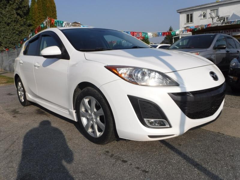Mazda 3 2011 price $6,800