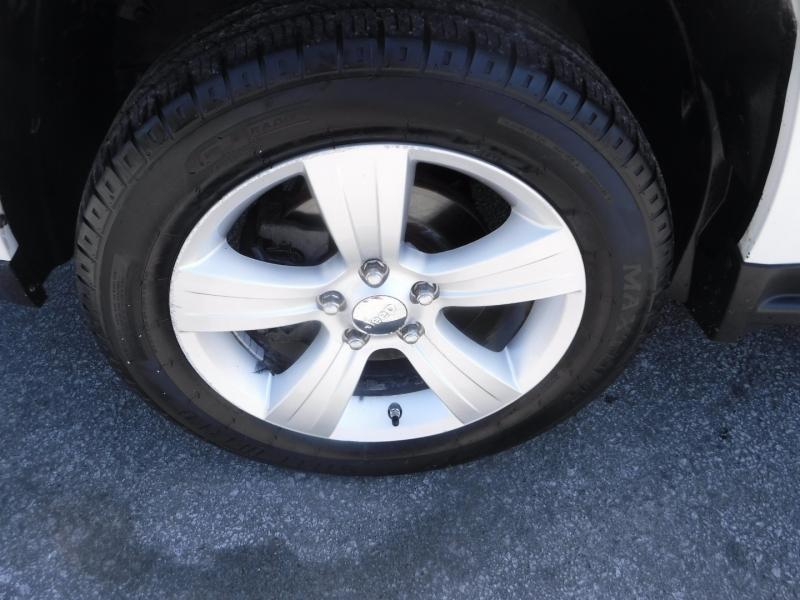 Jeep Compass 2011 price $6,950