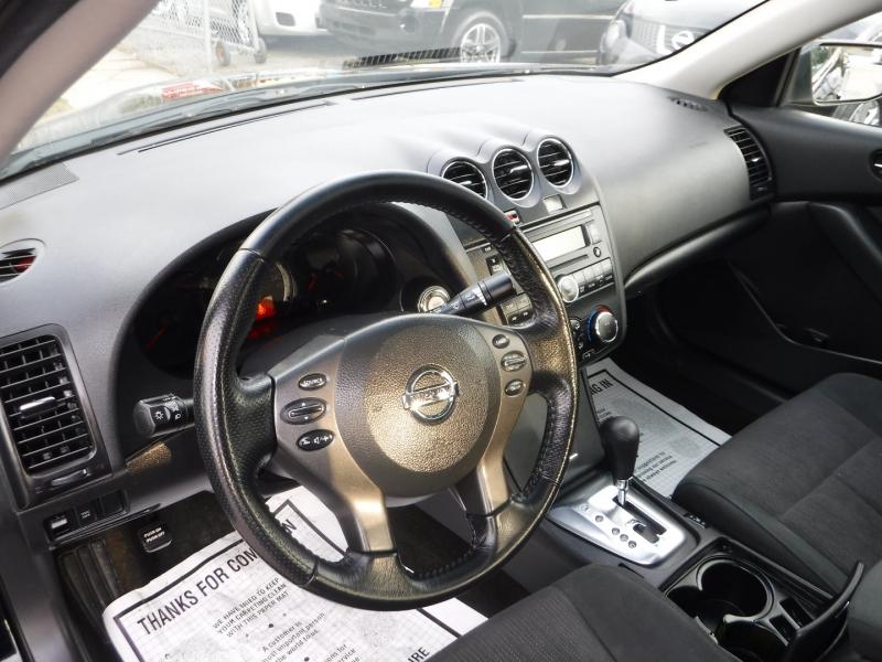 Nissan Altima 2010 price $5,950