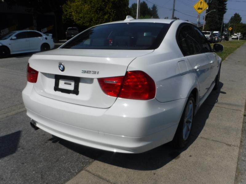 BMW 3-Series 2011 price