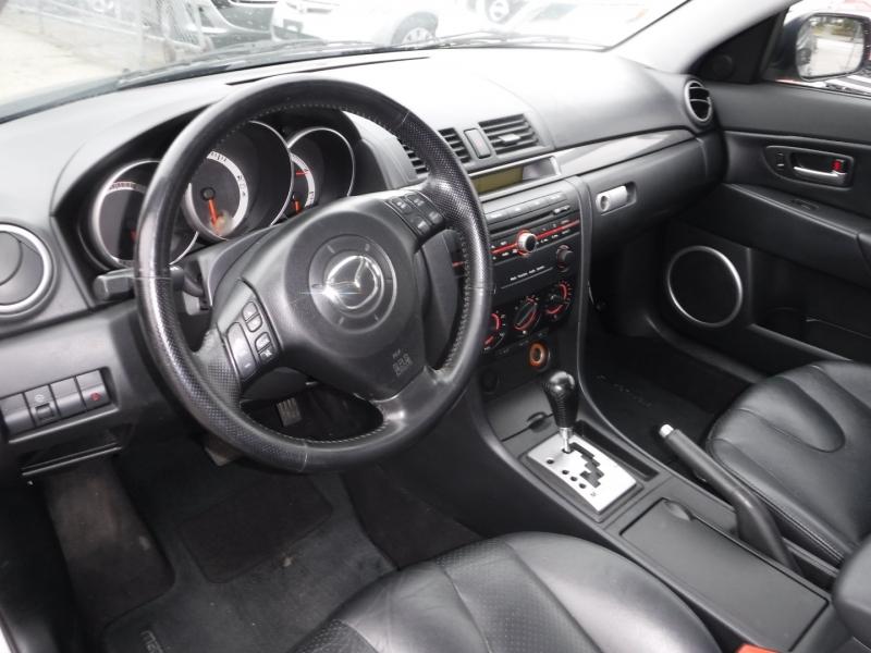 Mazda 3 2004 price $4,950