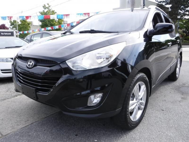 Hyundai Tucson 2012 price $8,950