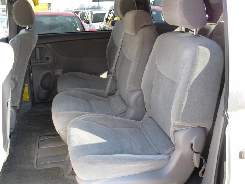 Toyota Sienna 2004 price $7,800
