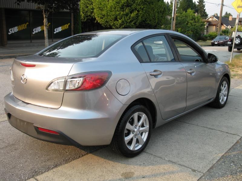 Mazda 3 2010 price $5,450