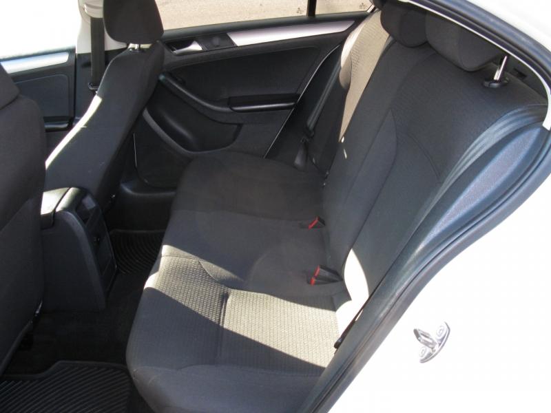 Volkswagen Jetta 2015 price $9,800