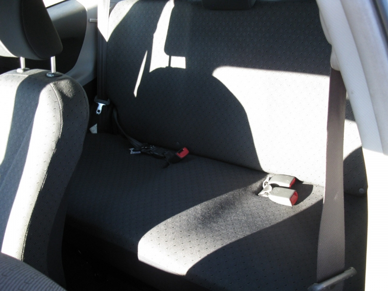 Toyota Yaris 2009 price $4,950