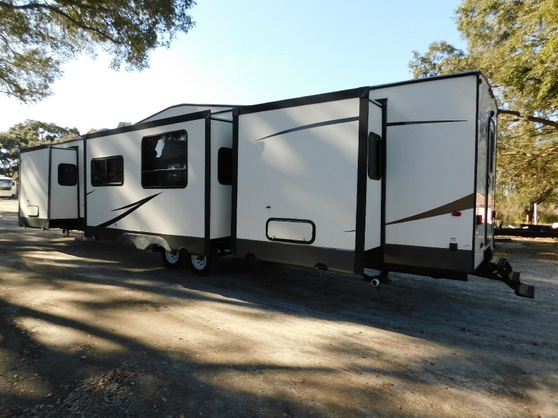 Forest River Wildwood DLX 2017 price $27,900