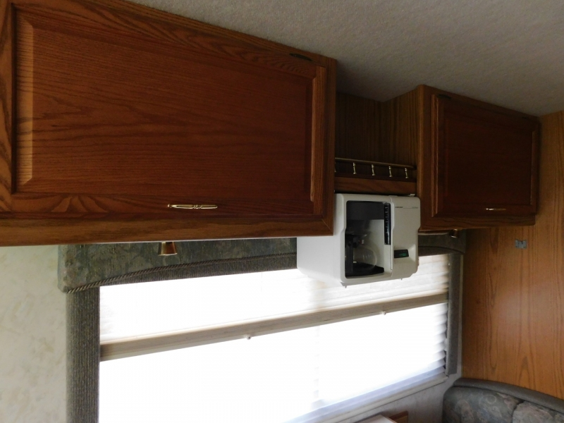 Winnebago Journey 2000 price $18,000