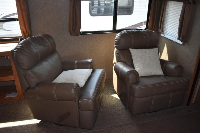 Coachmen CATALINA 2017 price $19,900