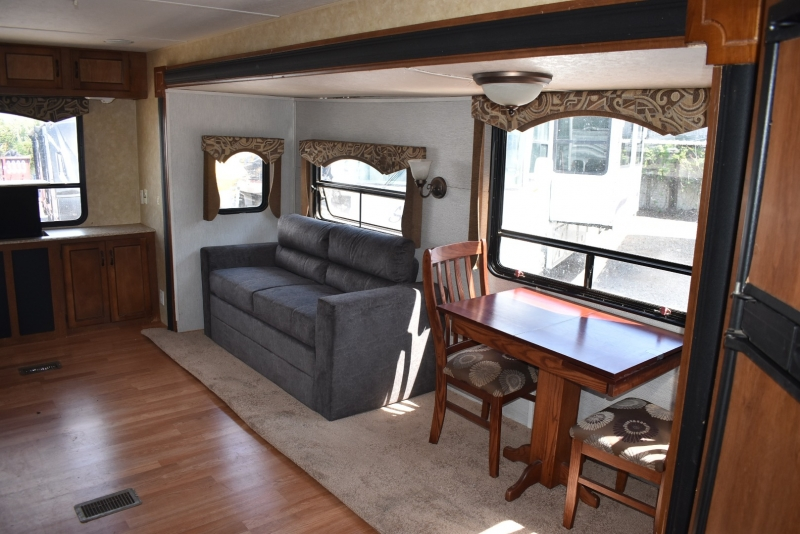 Coachmen CATALINA DELUXE EDITION 2014 price $14,000