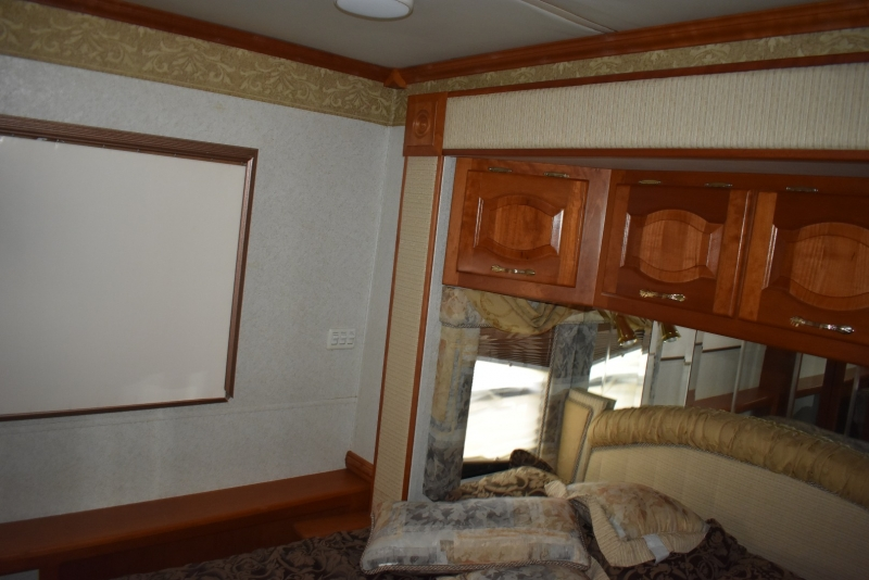 Newmar MOUNTAIN AIRE 2005 price $39,900