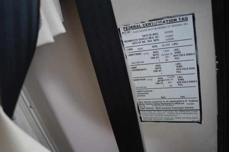 Fleetwood PACE ARROW 2001 price $19,900