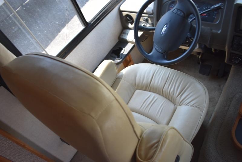 Fleetwood BOUNDER 2005 price $39,900