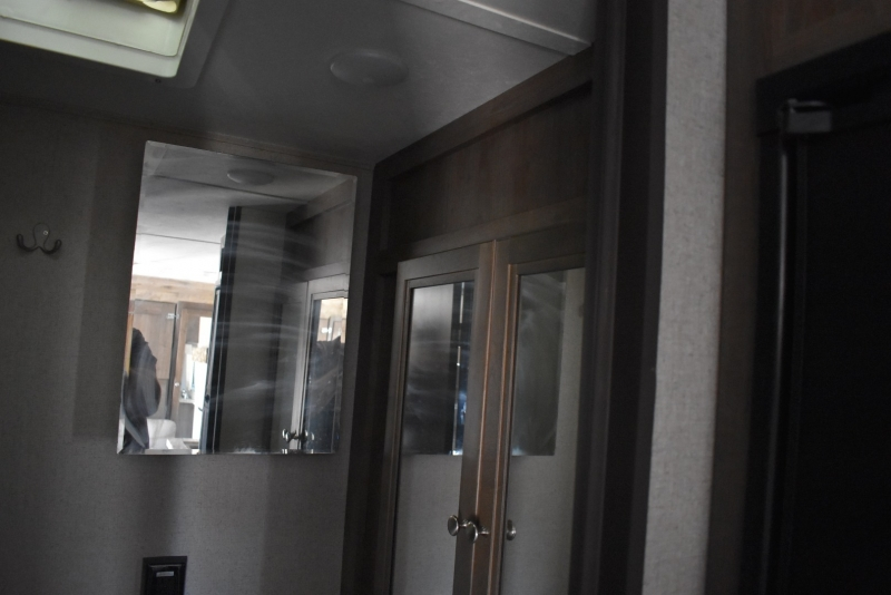 COLEMAN LIGHT LX SERIES 2018 price $16,500