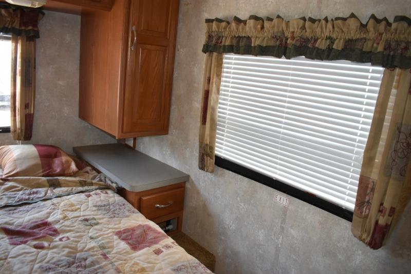Coachmen mirada 2004 price $21,900