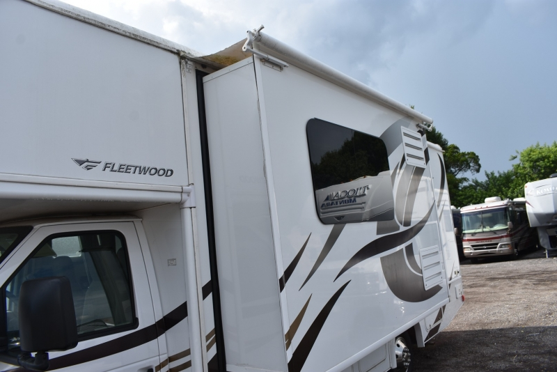 Fleetwood JAMBOREE SEARCHER 2015 price $55,000