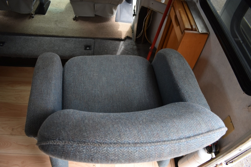 Winnebago RIALTA 2001 price $24,900
