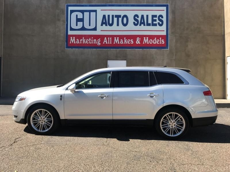 Lincoln MKT 2019 price $29,995