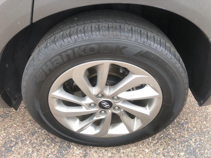 Hyundai Tucson 2017 price $16,995
