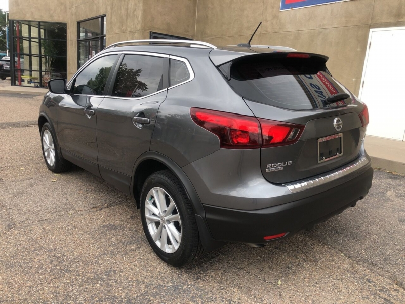 Nissan Rogue Sport 2017 price $19,995