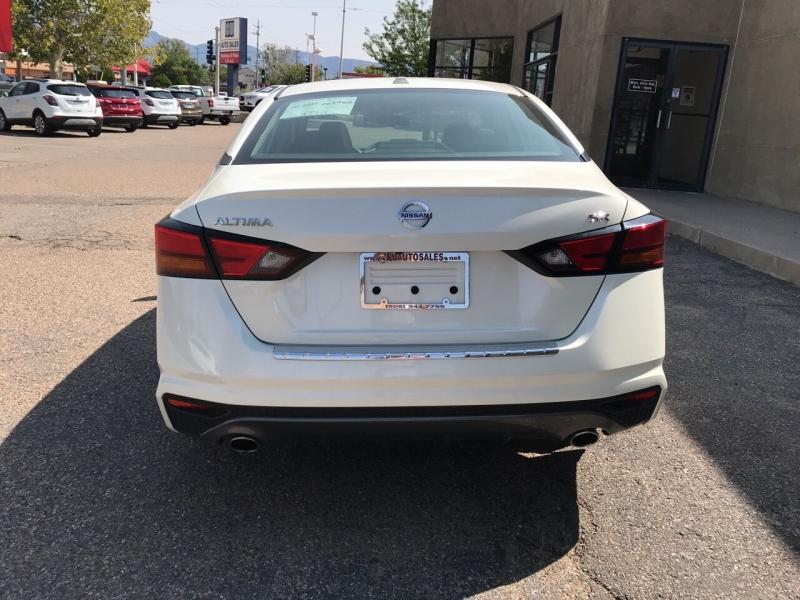 Nissan Altima 2019 price $23,995
