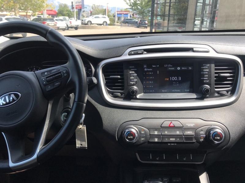 Kia Sorento 2018 price $21,995