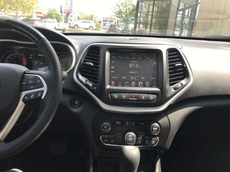 Jeep Cherokee 2017 price $25,995