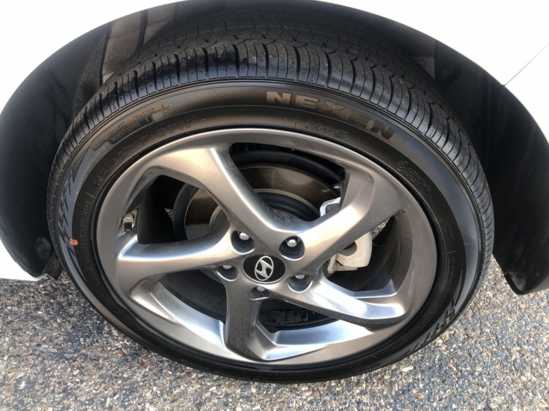 Hyundai Veloster 2019 price $16,995