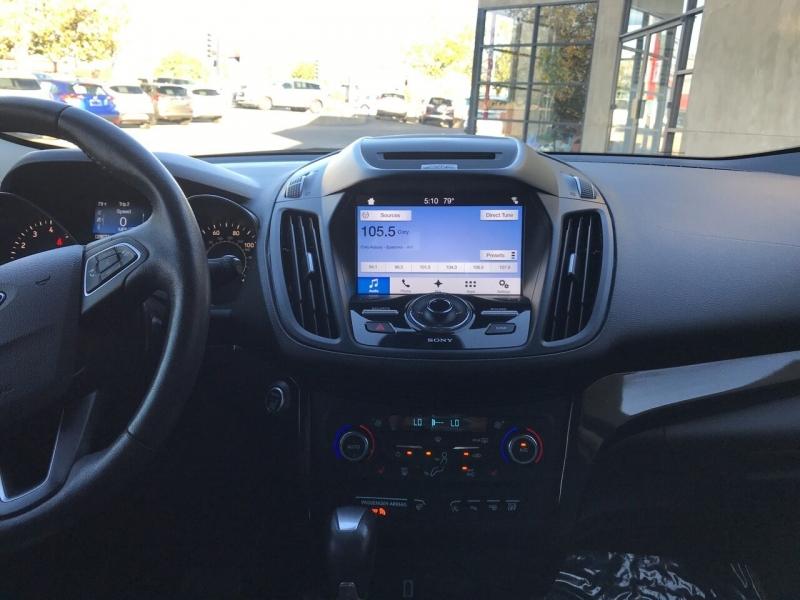 Ford Escape 2017 price $18,995