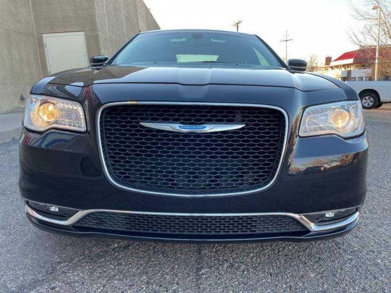 Chrysler 300 2017 price $19,995
