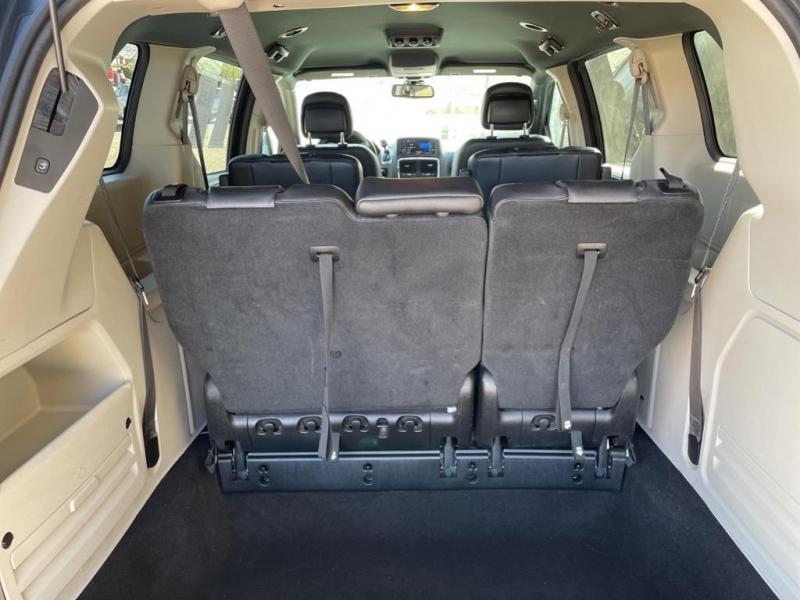 Dodge Grand Caravan 2019 price $19,995