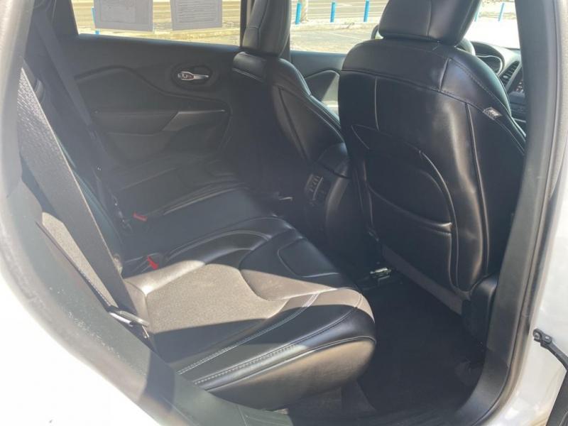 Jeep Cherokee 2019 price $21,995
