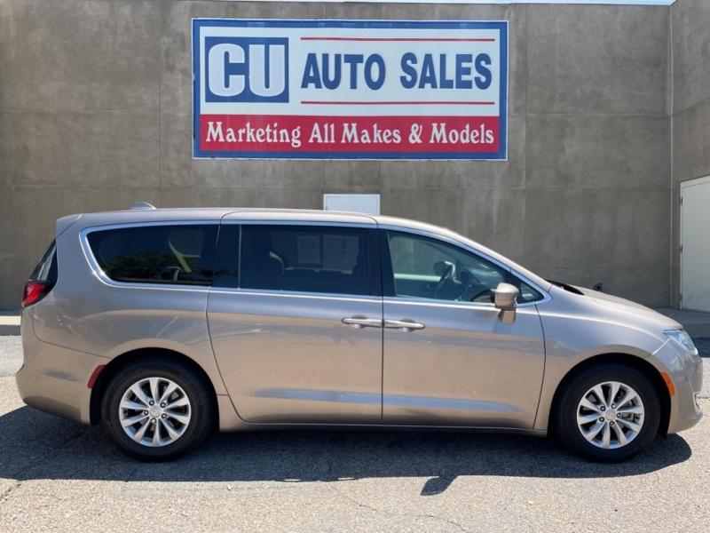 Chrysler Pacifica 2018 price $26,995