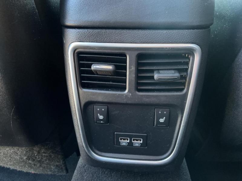 Chrysler 300 2020 price $30,995