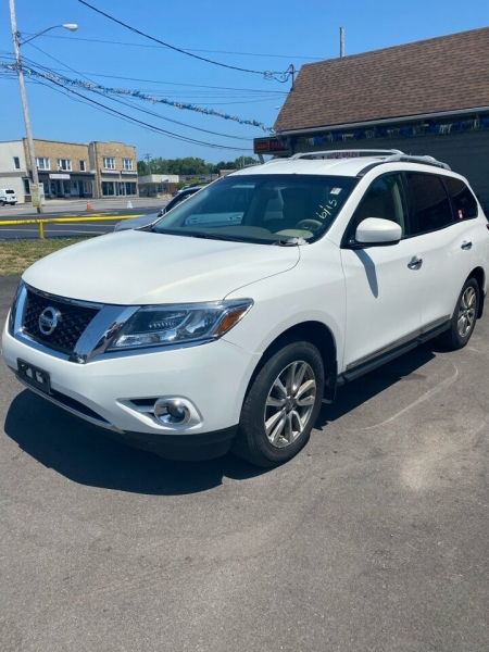 Nissan Pathfinder 2013 price $10,500