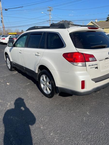Subaru Outback 2010 price $7,500