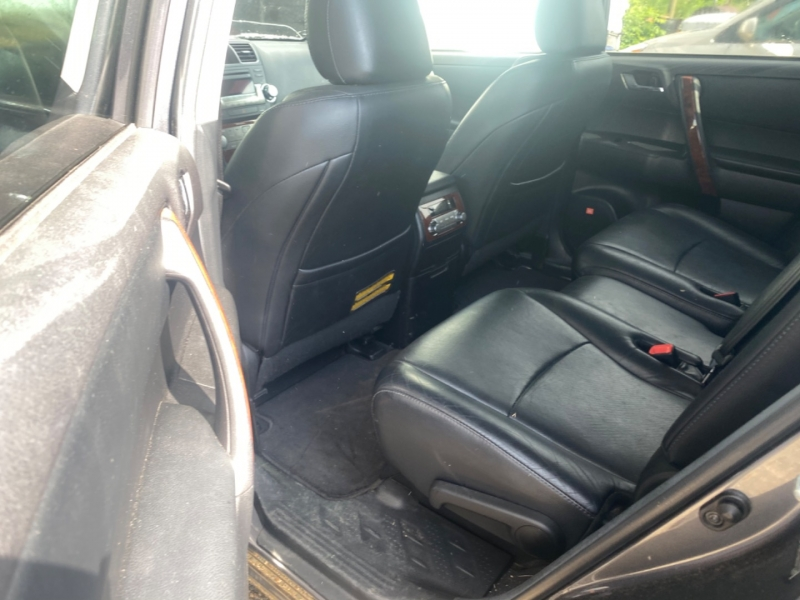 Toyota Highlander 2011 price $14,995