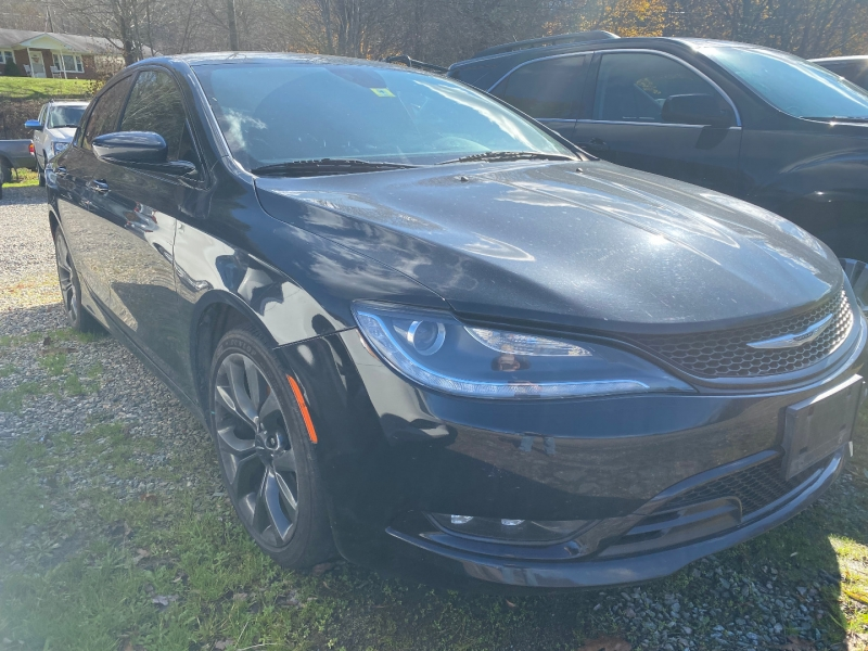 Chrysler 200-Series 2015 price $11,960