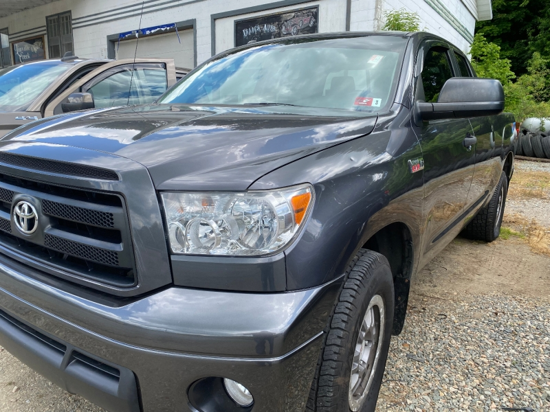 Toyota Tundra 2013 price $27,985